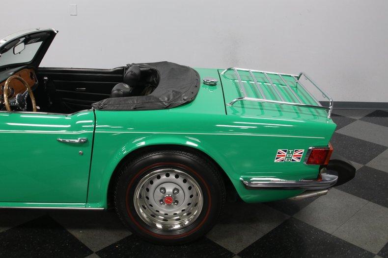 1976 Triumph TR6 27