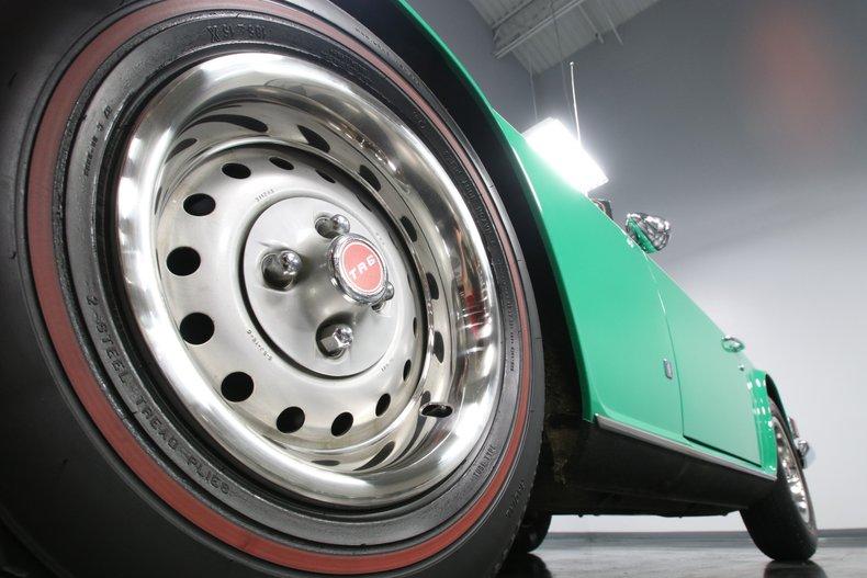 1976 Triumph TR6 24