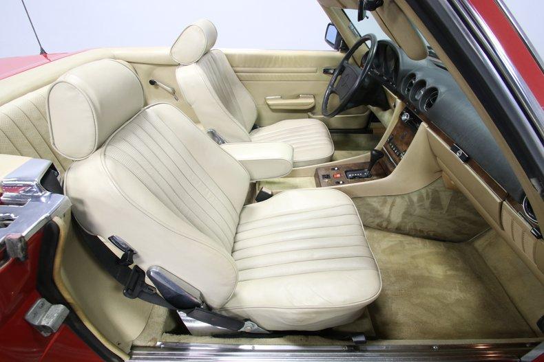 1987 Mercedes-Benz 560SL 67
