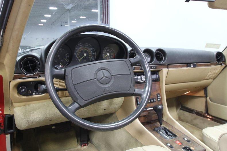 1987 Mercedes-Benz 560SL 53