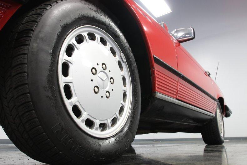 1987 Mercedes-Benz 560SL 26