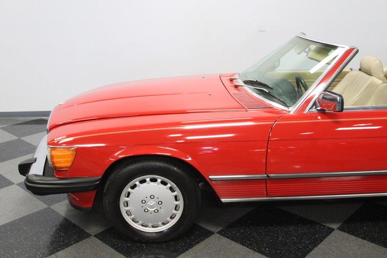 1987 Mercedes-Benz 560SL 30
