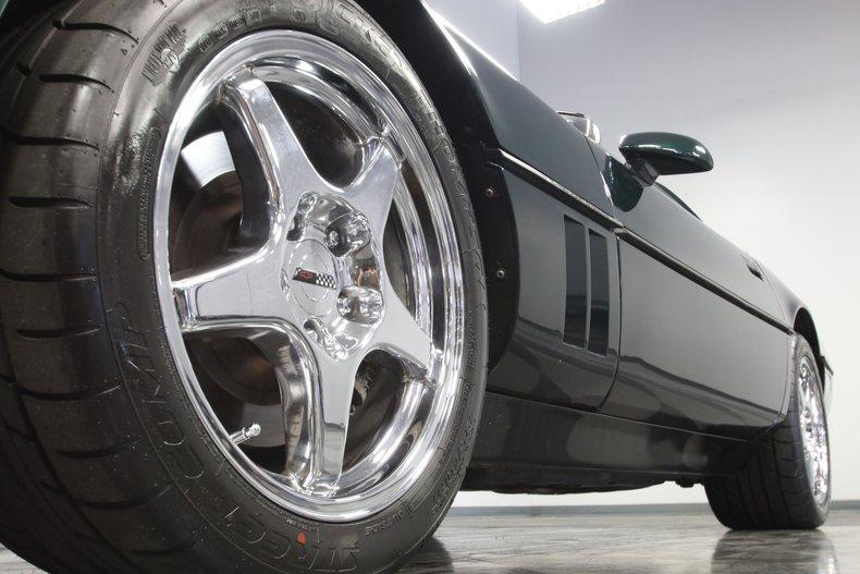 1990 Chevrolet Corvette 25