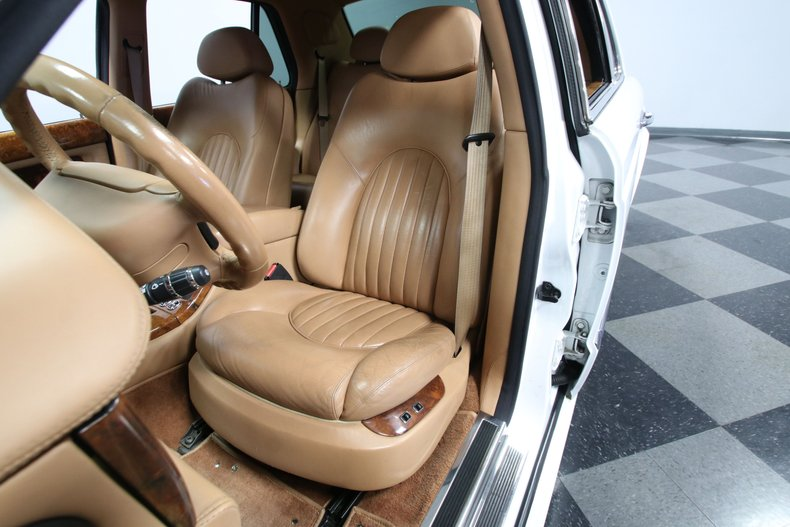2000 Bentley Arnage 58