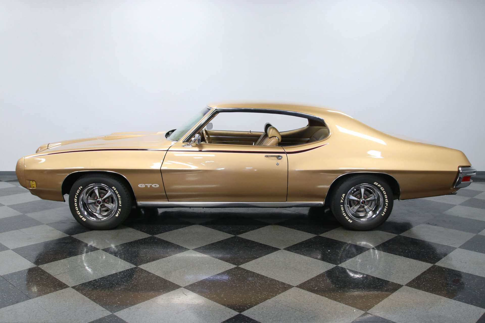 1970 pontiac gto hard top coupe