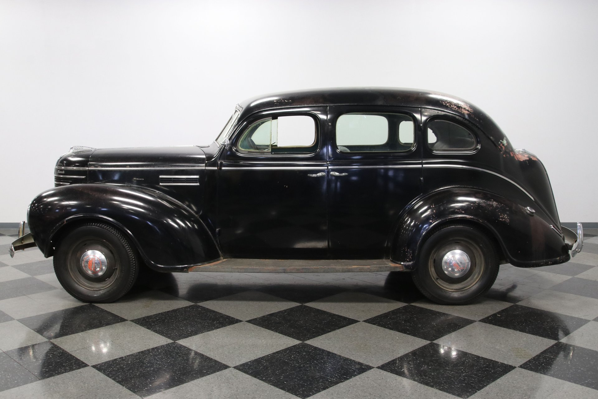 1939 plymouth p8 deluxe