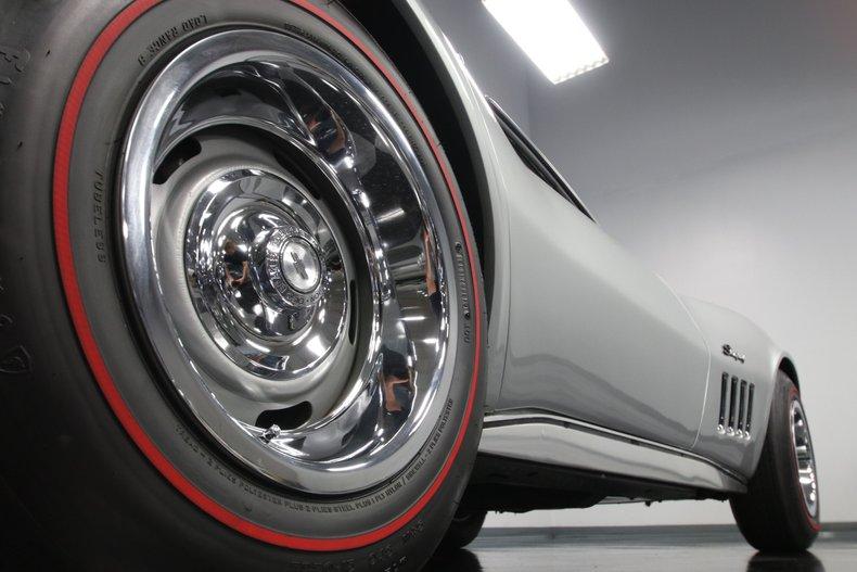 1968 Chevrolet Corvette 38