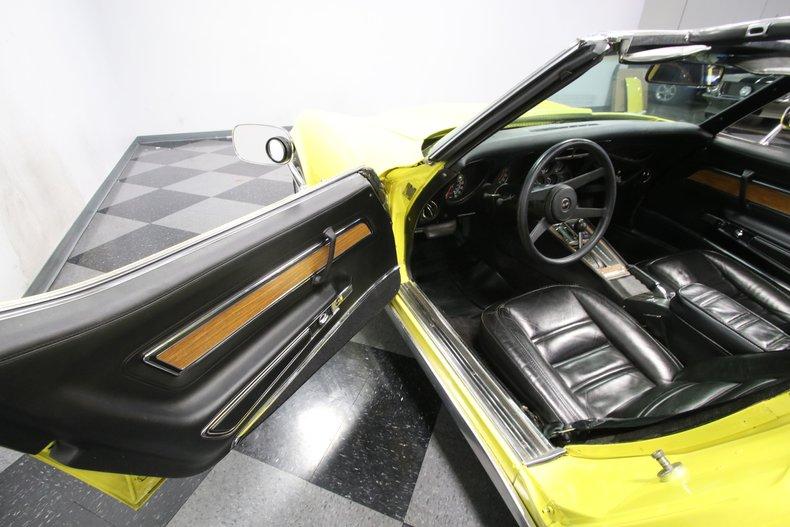 1976 Chevrolet Corvette 42