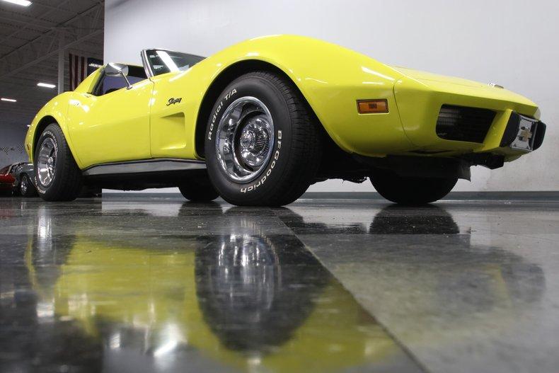 1976 Chevrolet Corvette 36