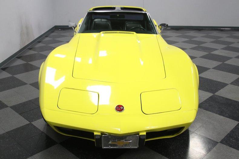 1976 Chevrolet Corvette 21