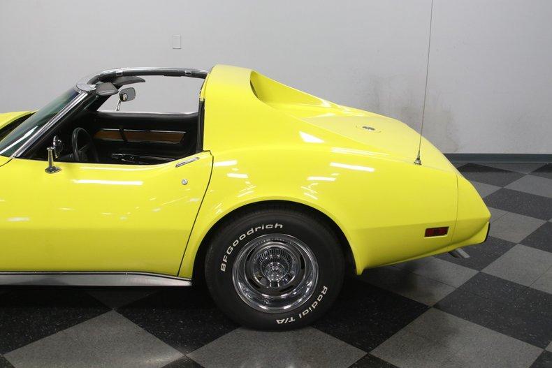 1976 Chevrolet Corvette 27