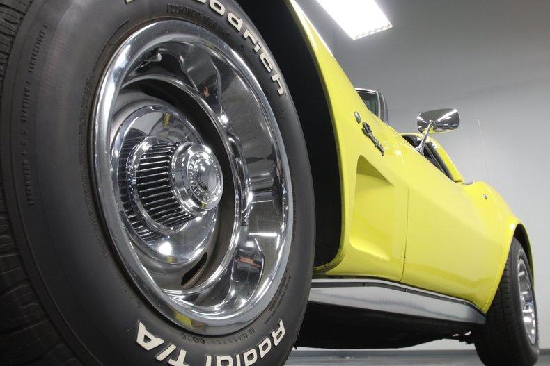 1976 Chevrolet Corvette 24
