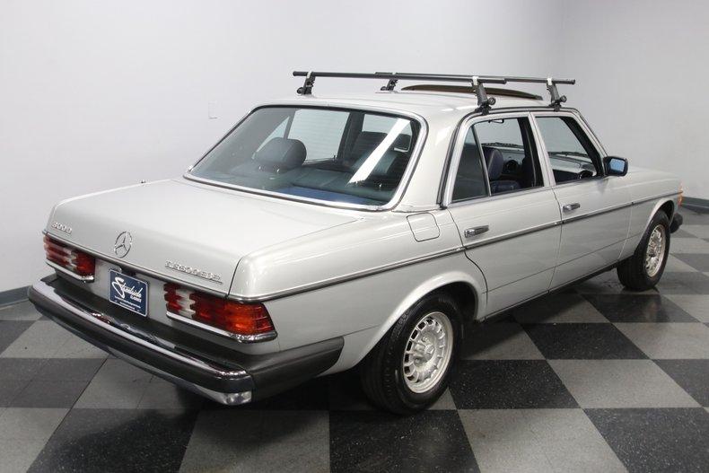 1985 Mercedes-Benz 300D 30