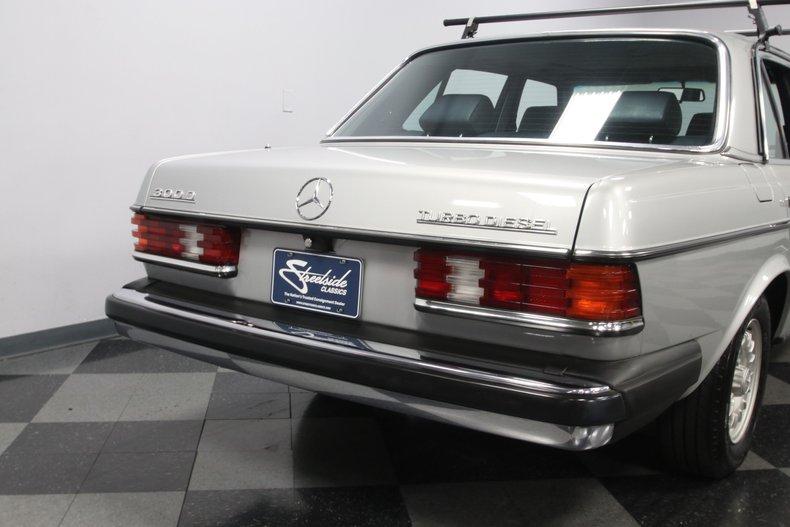 1985 Mercedes-Benz 300D 31