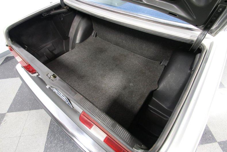 1985 Mercedes-Benz 300D 42