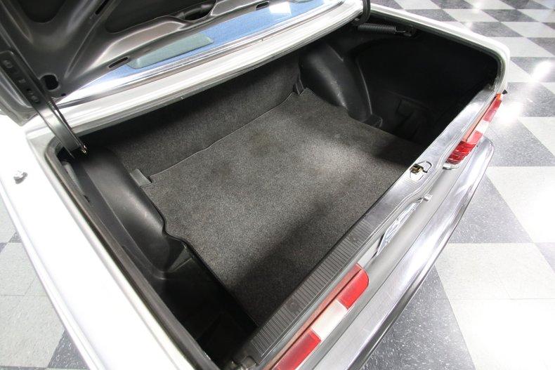 1985 Mercedes-Benz 300D 44