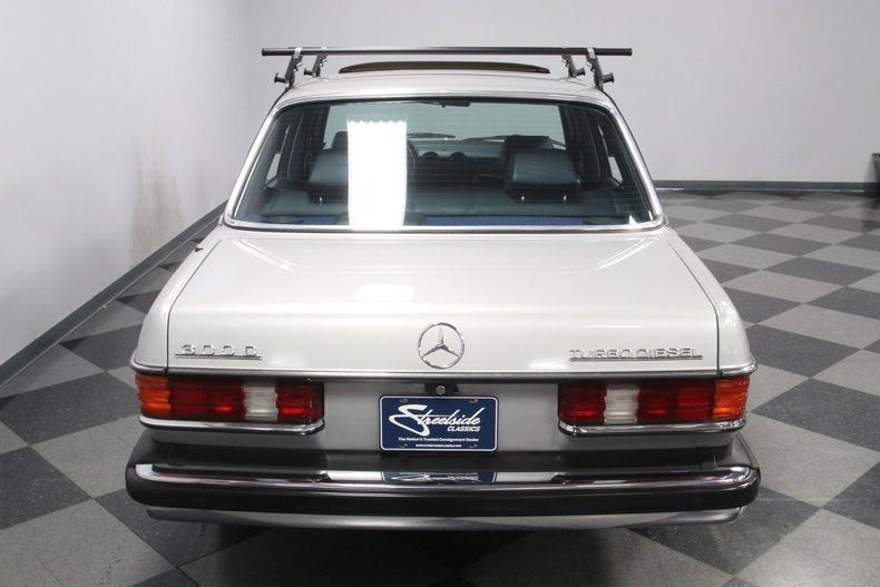 1985 Mercedes-Benz 300D 29