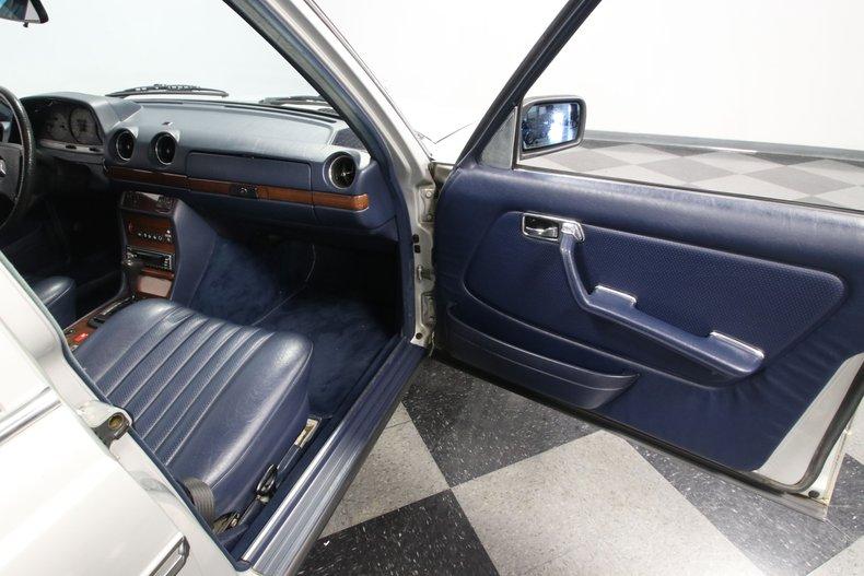 1985 Mercedes-Benz 300D 68