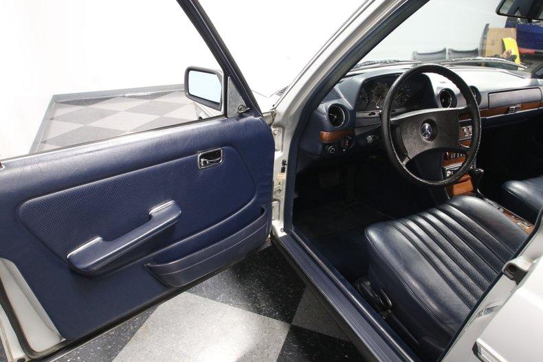 1985 Mercedes-Benz 300D 45