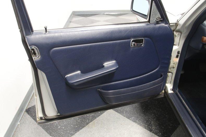 1985 Mercedes-Benz 300D 46