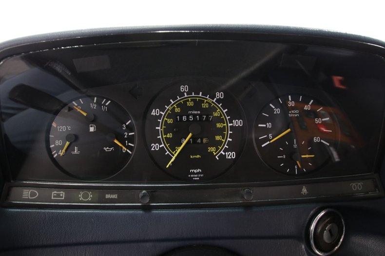 1985 Mercedes-Benz 300D 49