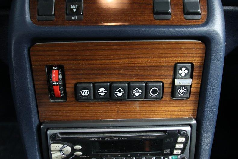 1985 Mercedes-Benz 300D 52
