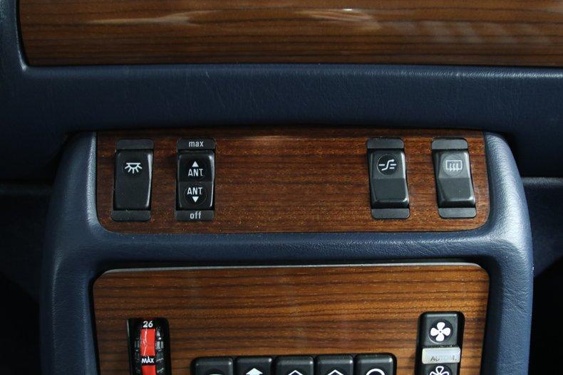 1985 Mercedes-Benz 300D 51