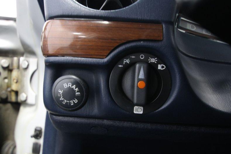 1985 Mercedes-Benz 300D 54