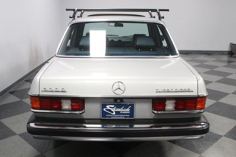 1985 Mercedes-Benz 300D 11