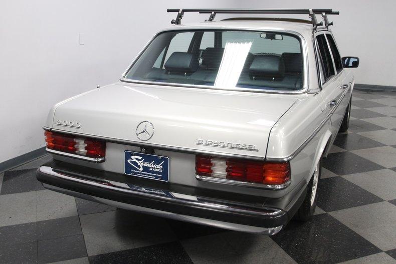 1985 Mercedes-Benz 300D 12