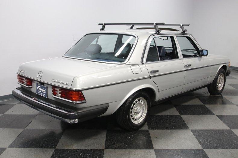 1985 Mercedes-Benz 300D 13