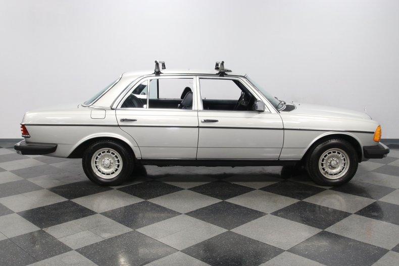 1985 Mercedes-Benz 300D 15