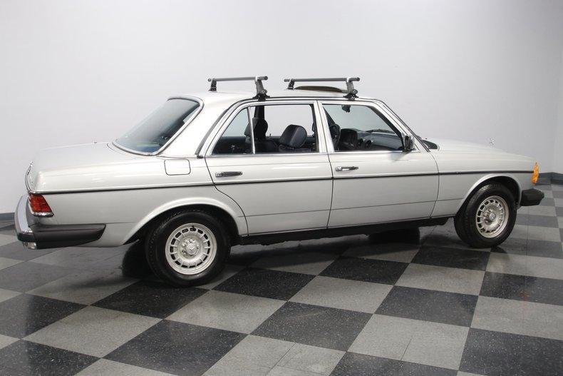 1985 Mercedes-Benz 300D 14