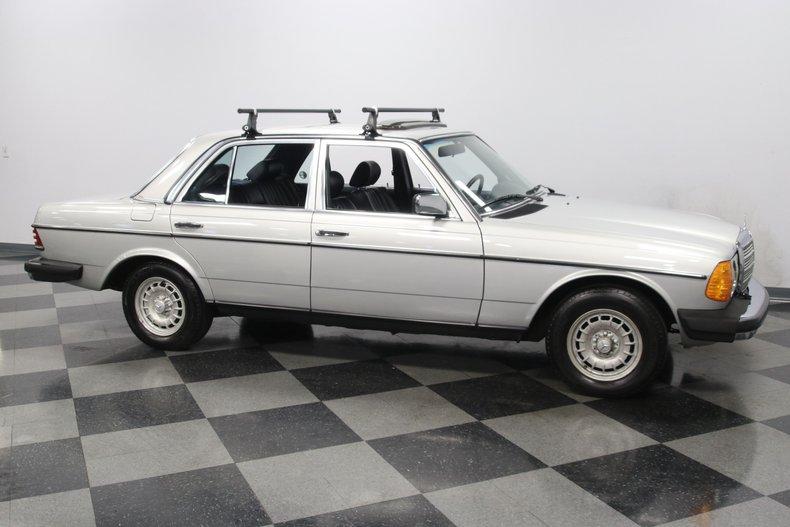 1985 Mercedes-Benz 300D 16