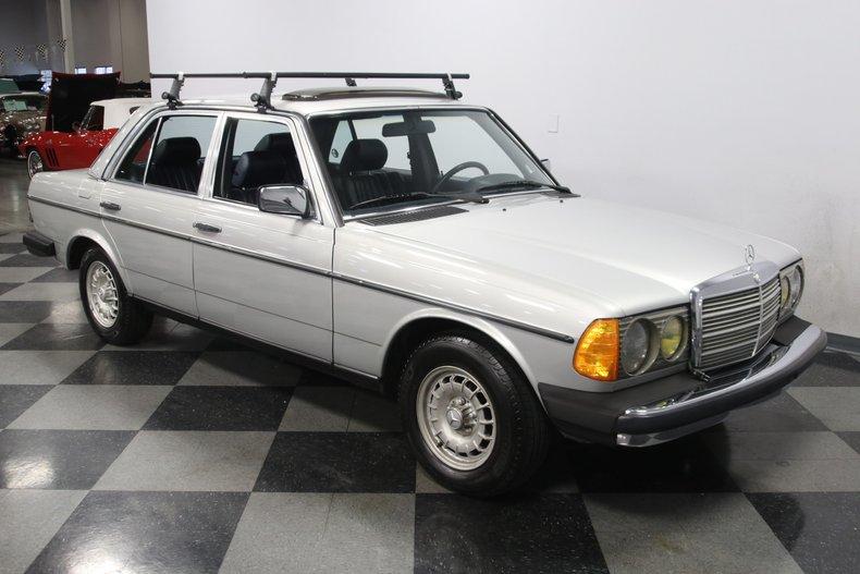 1985 Mercedes-Benz 300D 17