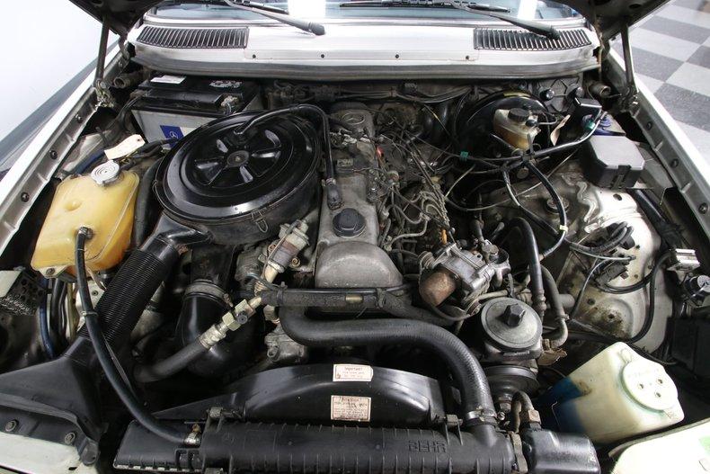 1985 Mercedes-Benz 300D 39