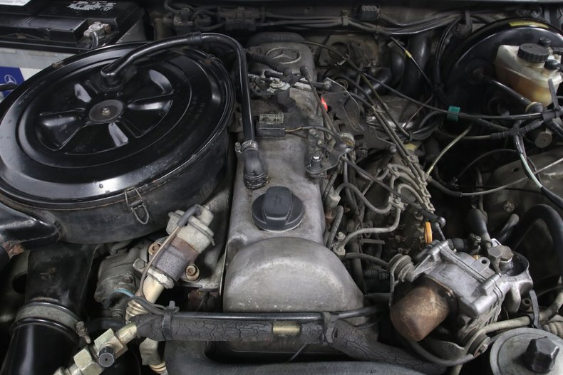 1985 Mercedes-Benz 300D 3