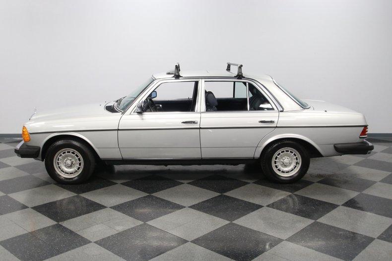 1985 Mercedes-Benz 300D 25