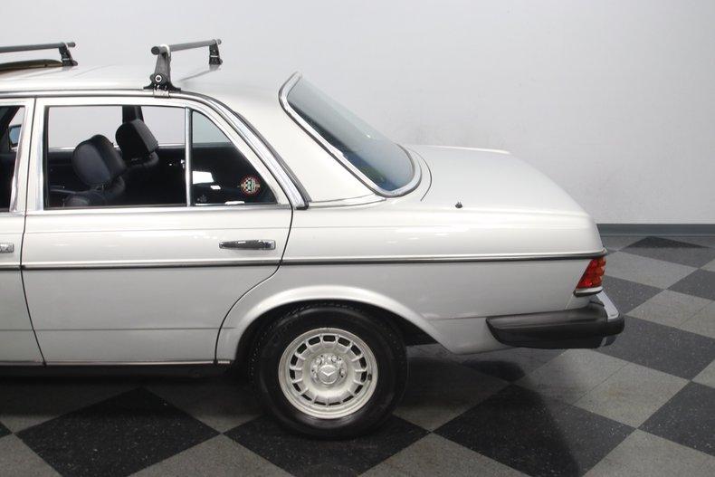 1985 Mercedes-Benz 300D 27
