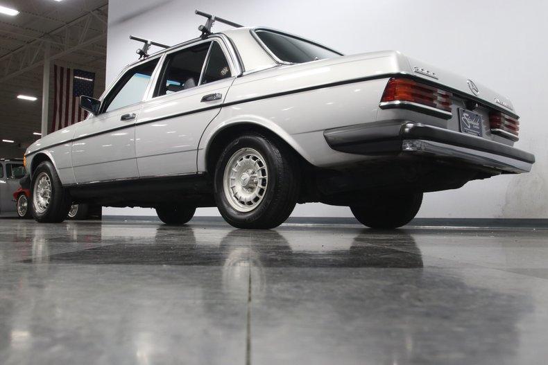 1985 Mercedes-Benz 300D 28