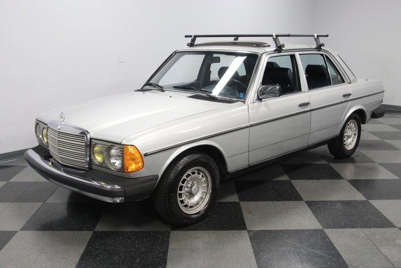 1985 Mercedes-Benz 300D 5
