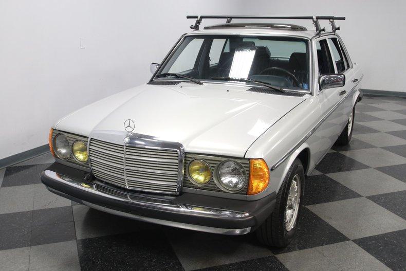 1985 Mercedes-Benz 300D 20