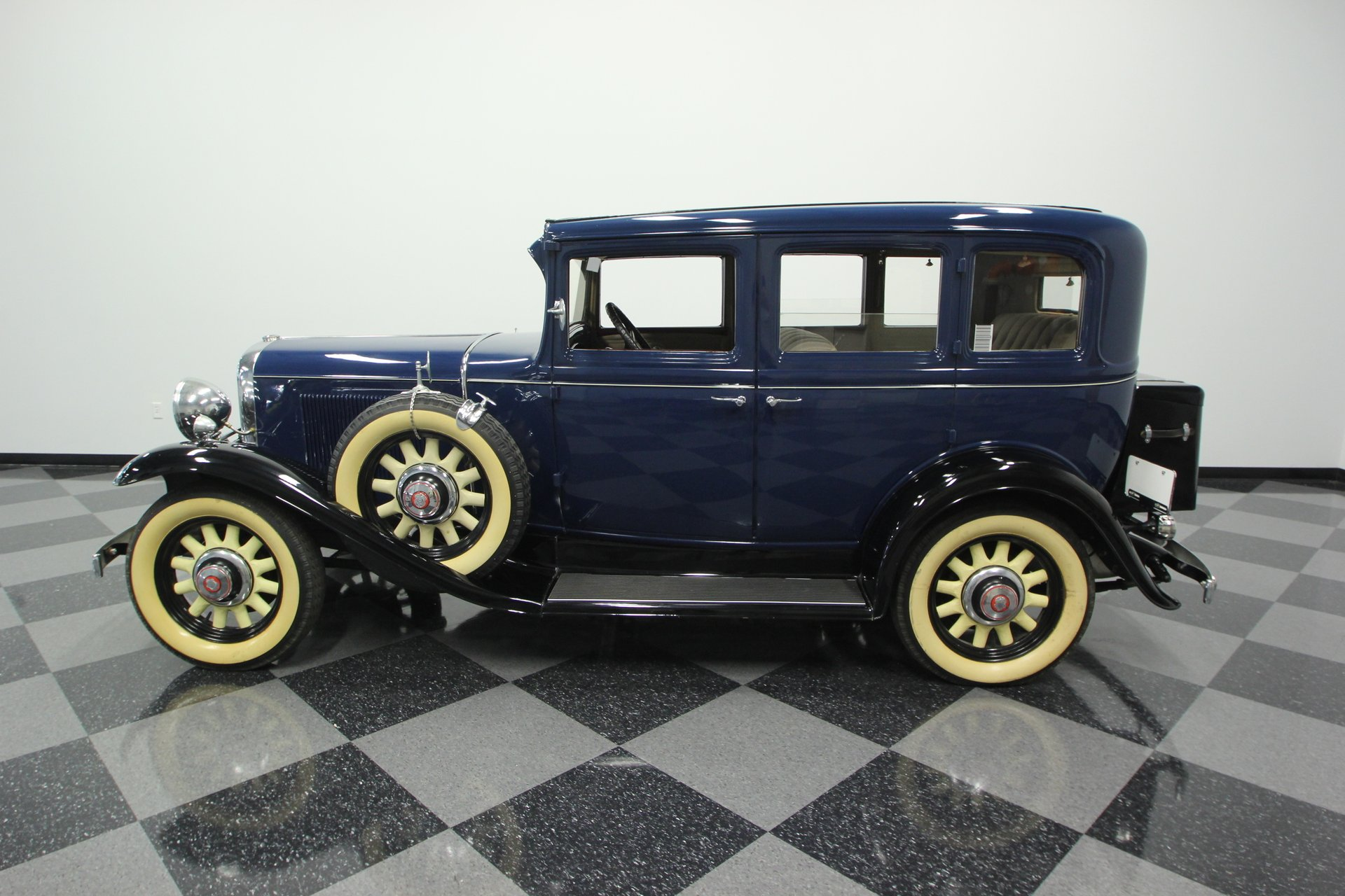 1931 oldsmobile deluxe patrician sedan