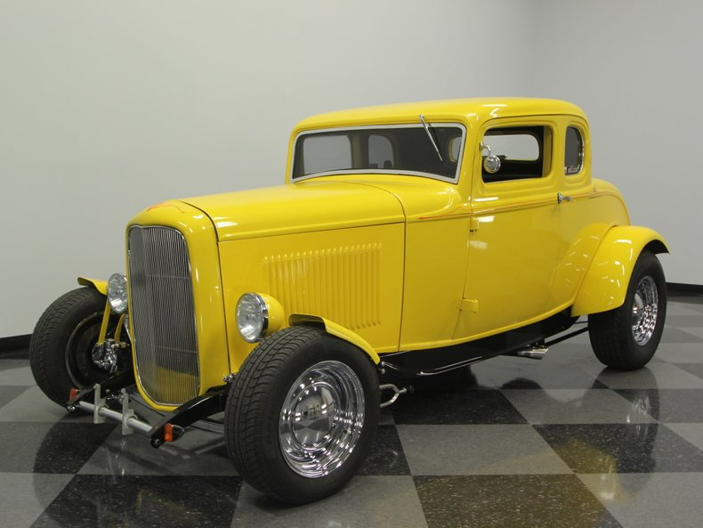 1932 Ford | Streetside Classics - The Nation's Trusted