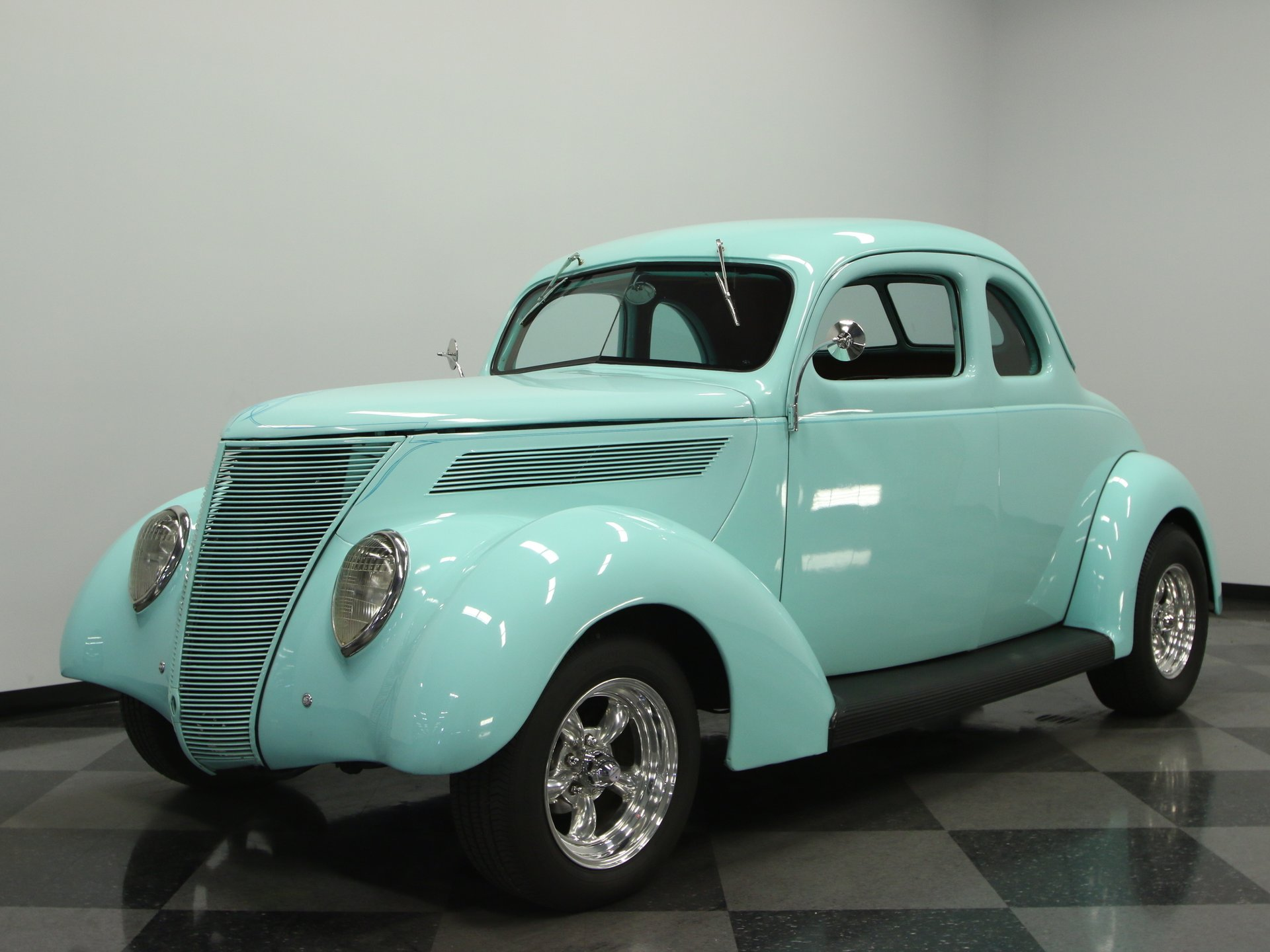 1937 ford deluxe 5 window coupe