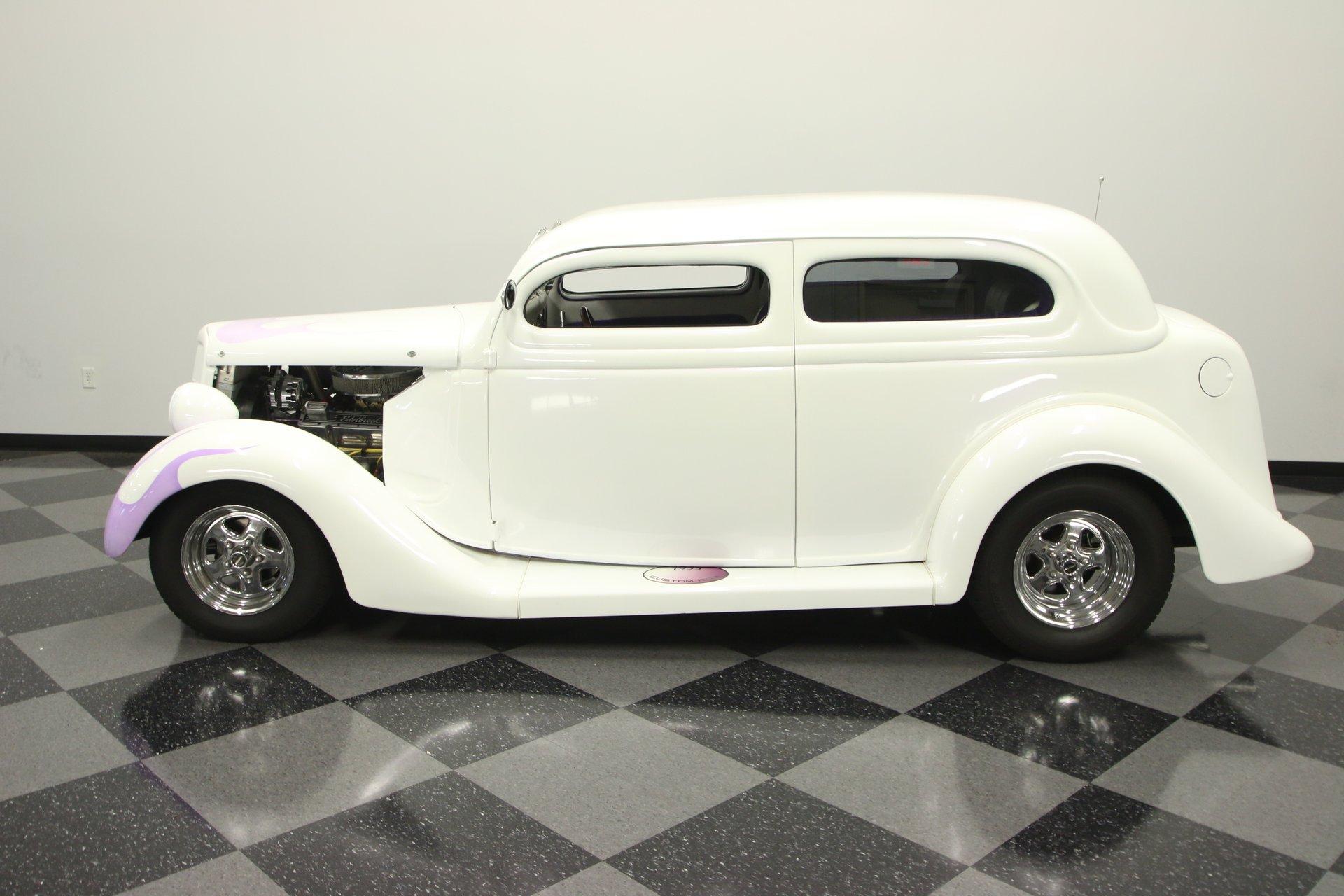 1935 ford humback sedan