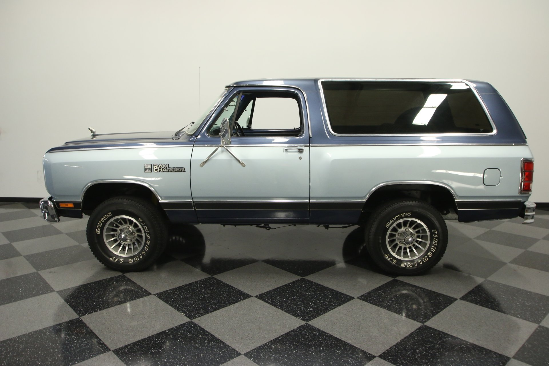 1987 dodge ramcharger le 150