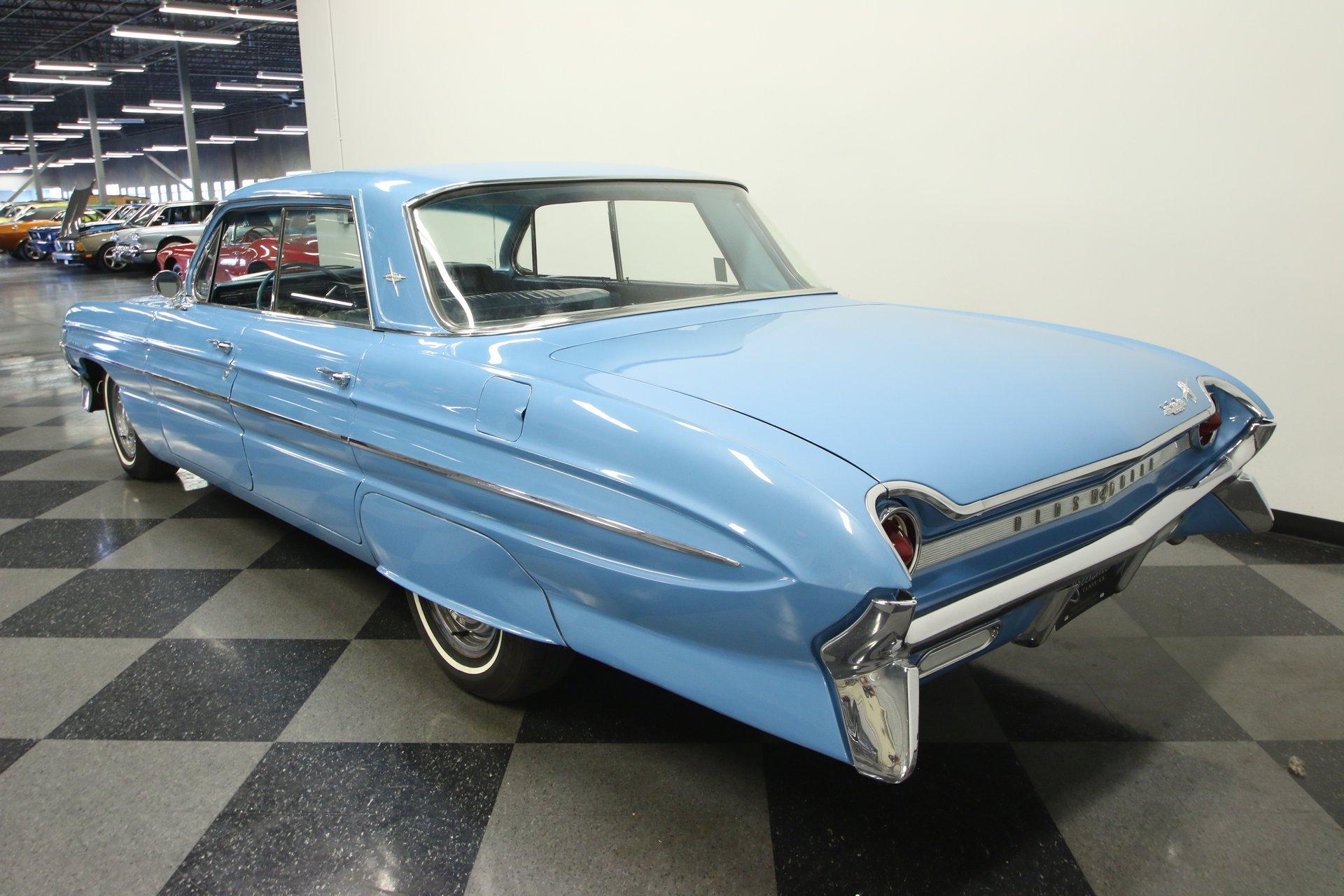 1961 Oldsmobile Dynamic 88   Streetside Classics - The