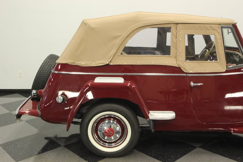 1948 Willys Jeepster 32