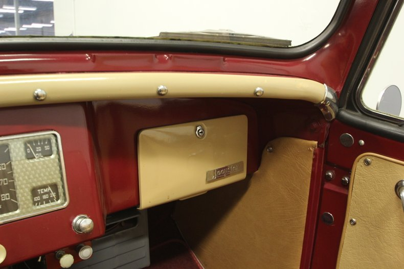 1948 Willys Jeepster 46